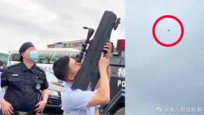 無人機飛入安徽高考考場 被反高科技舞弊組巡防民警「擊落」