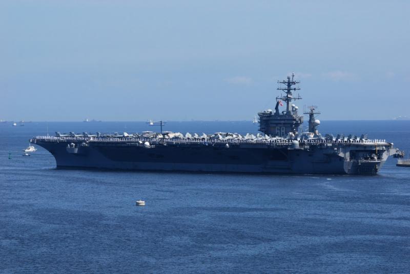 伊朗半官方通訊社發佈美軍航母照片 聲稱由革命衛隊無人機拍下