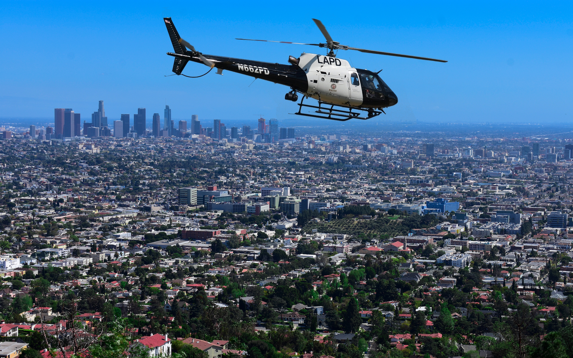 無人機撞查案直升機 加州 22 歲男子最高將被判監一年