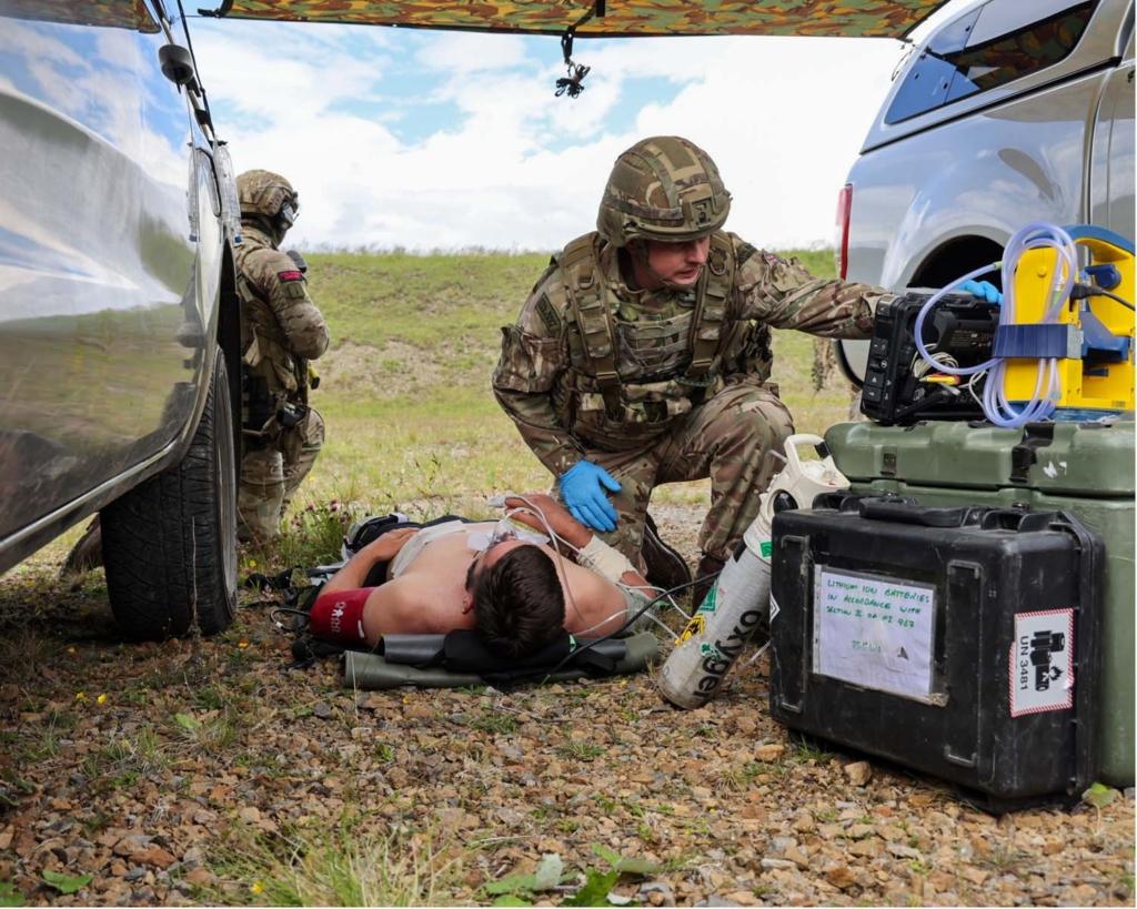 英軍訓練中首度使用無人機蜂群 補給物資兼執行偵察任務