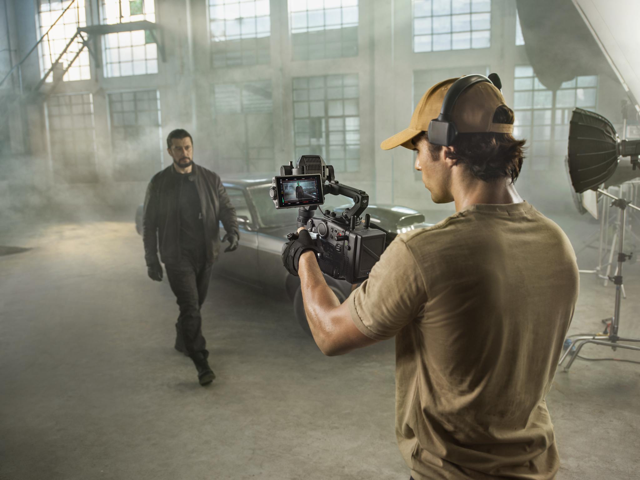 四軸!雷射跟焦!無線圖傳! DJI發佈首款電影攝影機DJI Ronin 4D